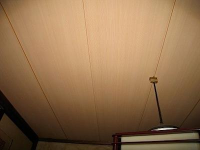茅ヶ崎市のA様から和室天井の張り替えを依頼されました。 既存 […]