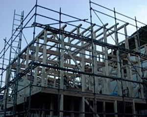 鎌倉市の「A」邸がおかげさまで上棟しました。 この後、たちゆがみ直し→構造用合板→JIO(日本住宅保証検査機構)構造検査となります。 鎌倉市「A」邸上棟後の様子 ページトップに戻る↑                    […]