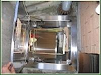 相模原市のマンションで避難ハッチ(注1)が古くなり錆びたので交換したいとのお話がありました。 全部を交換するのではなく、カバー方式で、コンクリート床部の以外のその他を取り替えます。 後々蓋が錆びにくいようにステンレス製を […]