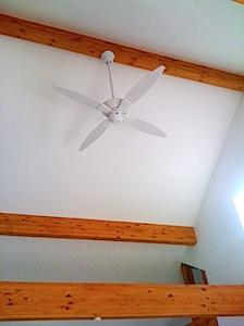二階の天井が高いので、暖房冷房の効率を高めるためシーリングファンを取り付けました。 「S」様のお気に入りのものです。 ーーーーーーーーーーーーーーーーーーーーーーーーーーーーーーーーーーーーーーーーーーーー シーリングフ […]