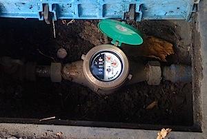 11/25 音聴棒(おんちょうぼう)で漏水を探す 何も水道を使っていなくとも、水道のメーターが回っているので、漏水かもしれないので 調べてほしいと茅ヶ崎市のかたから電話がありまして、伺ってみました。 水道メーターの真ん中 […]