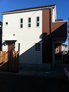 「S」様邸に行ってきました。外観写真を下記に示します。 ーーーーーーーーーーーーーーーーーーーーーーーーーーーーーーーーーーーーーーーーーーーー 青い空と光と影のコントラストが気に入りましたので 建築途中でしたがiPho […]