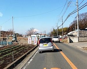 道路工事で停車しているときに富士山が見えましたので、iPhoneで撮ってみました。 意外と明るく撮れるものですね。ちょっと樹木が邪魔かな。 ーーーーーーーーーーーーーーーーーーーーーーーーーーーーーーーーーーーーーーーー […]