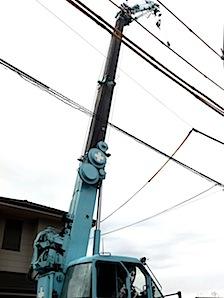 一月吉日に藤沢市「T」邸の建前をしました。上棟風景です。 当日は天気にも恵まれました。 1──────────2 3──────────4 5──────────6 先行足場 当社では安全と作業性のために建前の前に足場を […]