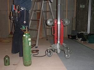 室内は50平米超のワンルーム壁取付のエアコンですと空調の効きが十分でない可能性が有ります。 それで、天井埋め込みタイプの四方向吹き出し式を選択しました。 空調計画を空調業者の方に計算してもらい2.5馬力タイプを二台設置す […]