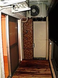 04/08 港区「S」様お引き渡し-3 港区「S」様邸のお引き渡しをさせていただきました。 バルコニー部分を紹介させていただきます。 1──────────2  3 施工前 施工途中 完成、レッドシダーのウッドデッキで […]