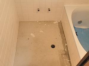 鎌倉市「S」様の浴室の改修をしました。バランス釜が浴室室内にありましたので 給湯器24号(強制循環方式)を室外に新設し、風呂リモコン、台所リモコンを新設し 台所からも風呂を沸かせるようにしました。これで追焚(おいだき)も […]