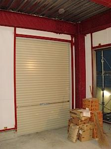11/10 店舗の内装をする。 藤沢市の「M」様から店舗の内装の依頼をいただきました。閑静な住宅街での工事です。 接骨院としてお使いになるとお聞きしました。 バリアフリー、ムクの材をお使いになりたいとの事です。 1─ […]