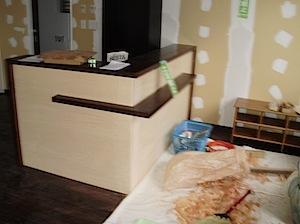 藤沢市「M」様邸は高齢者が多い地域にマッサージ、カイロプラティクスのための 治療院を開業されますので、そのための内装リフォームをしています。 1──────────2 3──────────4  製作でつける木製ド […]