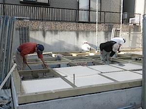 11/17 寒川町[S]様邸土台敷き込み ——————土台敷き込みを開始しました。 1──────────2 3──────────4 土台敷き並べ […]