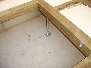 茅ヶ崎の「O」様邸の土台、大引敷きをします。 ベタ基礎耐圧盤の上に、鋼製束(鉄製の大引の受け材)を置き接着剤とトラックファーストという ガス圧で打つガンを使いコンクリート釘で止めます。 ーーーーーーーーーーーーーーーーー […]