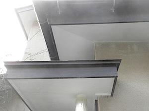 軒天の補修箇所の塗装をしました。既存色にあわせてあります。 ーーーーーーーーーーーーーーーーーーーーーーーーーーーーーーーーーーーーーーーーーーーー 玄関上部分です。 部分的に張り替えるときには、 今までの軒天のベニヤと […]