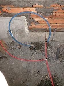 茅ヶ崎市「S4」様の既存浴室(タイル)を解体しました。 既存浴室で使っていた給湯器のタイプによって作業が違ってきます。 アダプターが必要になる場合があります。 ーーーーーーーーーーーーーーーーーーーーーーーーーーーーーー […]