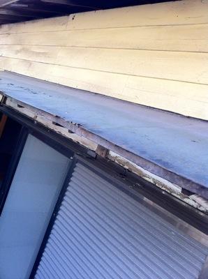 霧除け屋根の交換2