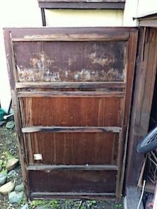 外部もの入れの扉2