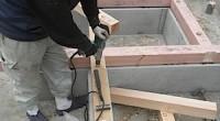 平塚市の「M」様邸の建前、上棟がもうすぐですのでその前に土台大引敷きをします。 土台大引敷き → 床断熱材入れ → 床構造用合板敷きという作業を建前の前に終わらせておけば、 上棟の作業をする時に一階の床面を平らな作業スペ […]