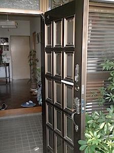 玄関ドアドアクローザー