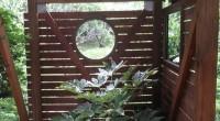 茅ヶ崎市の「B2」様邸に修理点検のために訪問しました。 「B2」様には太陽光発電と薪ストーブの工事をいただきました。 そのときに太陽光発電のパネル設置のための架台を利用して目隠しを付けたのですが、 その後、庭園工事をされ […]