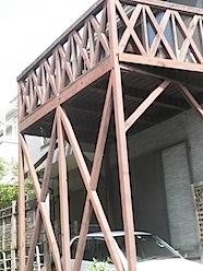木製バルコニー