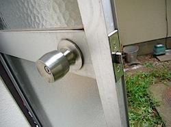 勝手口ドア3