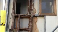 軽量鉄骨造のハウスメーカー製の住宅ですが長年の雨水の浸入で躯体の鉄骨が錆びて劣化して、 このような状態になっていました。壁を外す前にはこれほどと思わなかったので、 壁がふくれている部分だけ取り替えるつもりでしたが予想外に […]