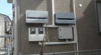 太陽光発電の工事が完了して東京電力の連係開始(東電検査が終了して売電開始)になりました。 買電メーターと売電メーター、ジェネレータ類も二個ずつありますから少し大げさな感じがします。 通常は太陽光パネルを南面に付けるのです […]