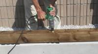 新築の現場では土台大引に防腐のものを使います。こちらの横浜市泉区「M」様邸も小規模とはいえ 一部既存材を使う移設新築ですのでアンカーボルトで締め付け固定します。 通常アンカーボルト+ワッシャ+ナットでは土台大引天端上面に […]