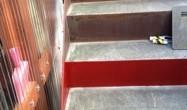 横浜市港南区の「K」様邸の鉄骨階段部分です。鉄骨階段がリフォームで取付けられてから 五年しか経っていないそうですが、年数では錆の進み具合がひどいと感じます。 錆び止め塗装が足りないか薄かったのかなと思います。 ーーーーー […]